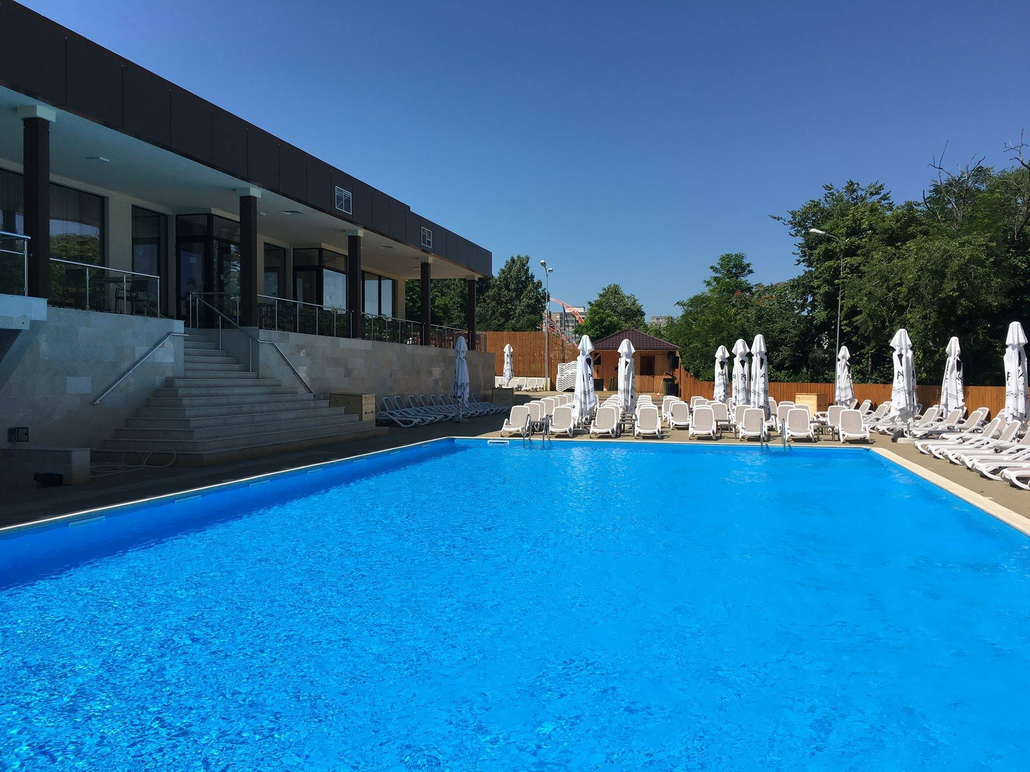 the president pool and lounge locatia perfecta pentru o